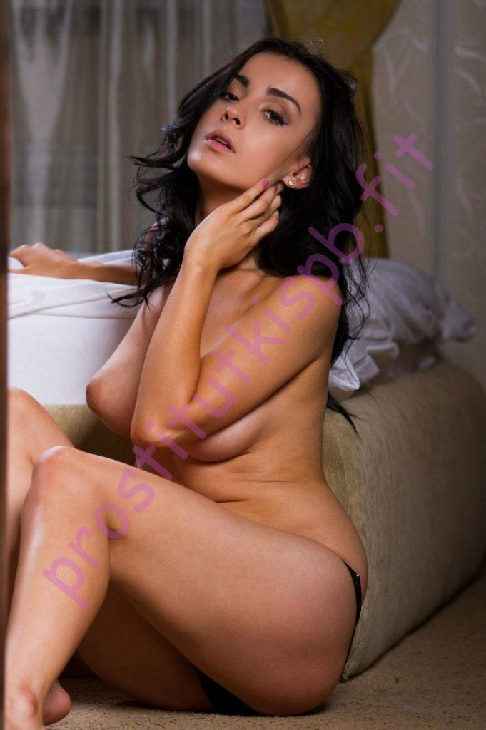 Фото проститутки СПб по имени Влада +7(921)799-85-95