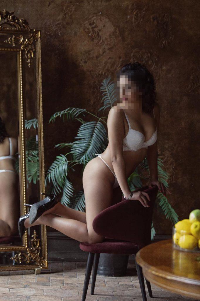 Фото проститутки СПб по имени Кристина +7(931)270-82-95